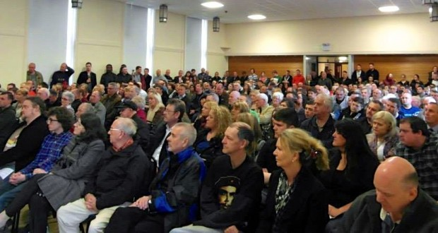 Standing room only at the public meeting in Dundee