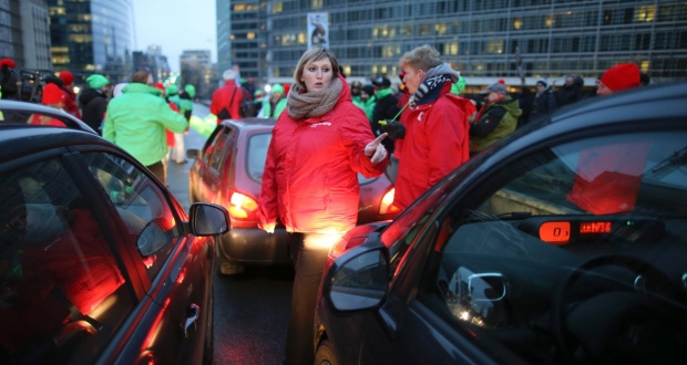 Pickets blocking main road in Brussels during today's general strike